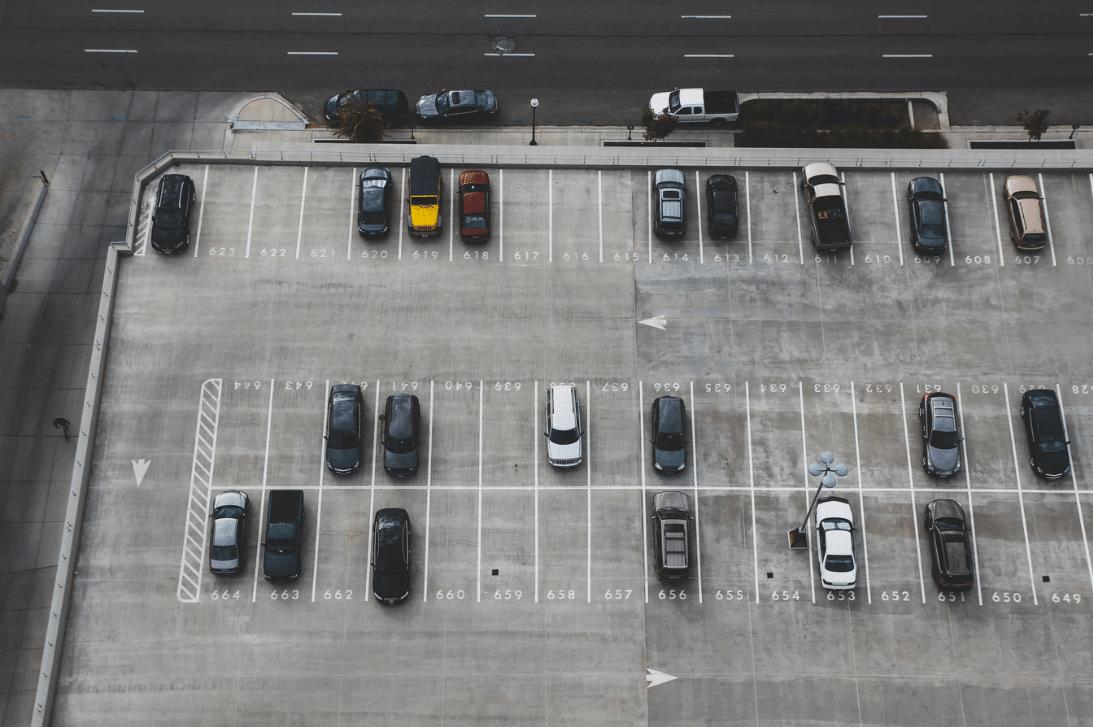 Parkplatz am Flughafen